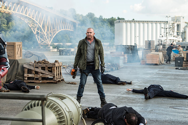 """DC's Legends of Tomorrow --""""Out Of Time""""-- Image LGN201A_0410.jpg Pictured: Dominic Purcell as Mick Rory/Heat Wave -- Photo: Diyah Pera/The CW -- © 2016 The CW Network, LLC. All Rights Reserved."""
