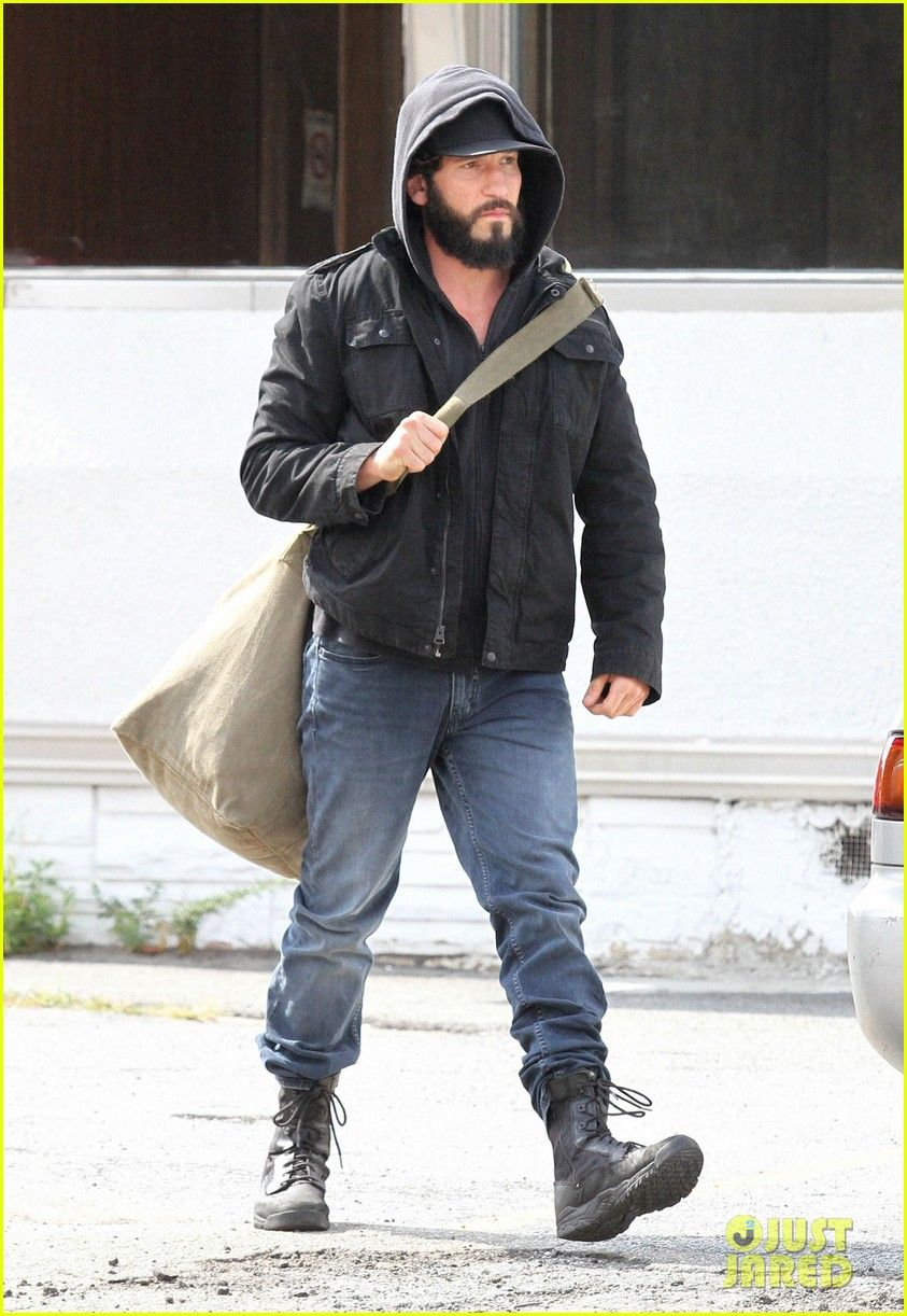 jon-bernthal-starts-filming-the-punisher-first-set-photos-01