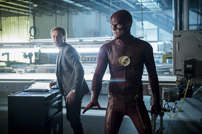 the-flash-killer-frost-grant-gustin-tom-felton