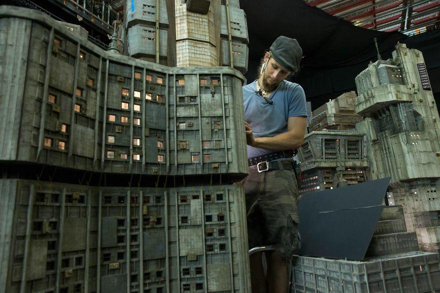 cinematography-concept-design-miniatures-blade-runner-2049-weta-workshop-2-5a0ac16c1be75__880