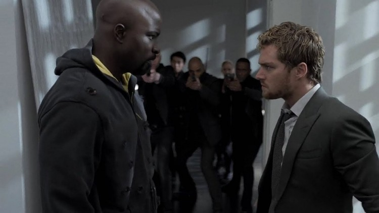 iron-fist-and-luke-cage-fight-scene-the-defenders-2017