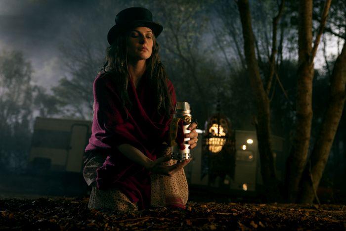 Rebecca Ferguson w filmie Doktor Sen, ekranizacji powieści Stephena Kinga
