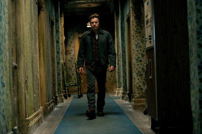 Ewan McGregor w filmie Doktor Sen, ekranizacji powieści Stephena Kinga