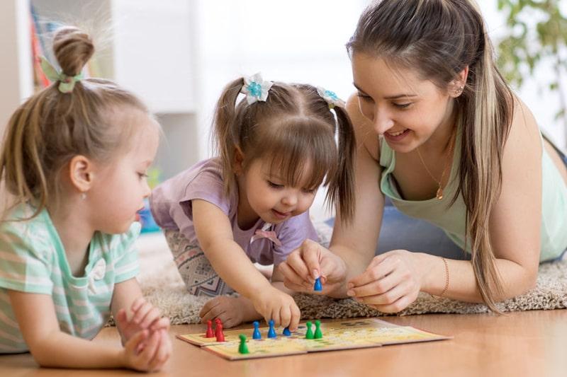 TOP 5: Planszówki z mamą – zestawienie gier, w które graliśmy z naszymi rodzicielkami.