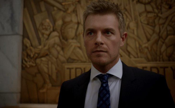 """Czy to możliwe, że Eddie Thawn powróci do serialu """"Flash""""?  Rick Cosnett zdaję się coś sugerować"""